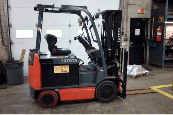 Toyota 8FBCU25 Electric Used Forklift